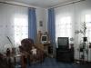 1/2 дома  в Октябрьском районе Зал Высокие потолки, 4 окна, линолиум. новый ремонт