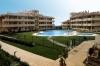 Квартиры класса люкс,студии и апартаменты  Три больших бассейна,детская зона,парковка,большой торговый комплекс,два теннисных корта,тренажерный зал,интернет,прачечная