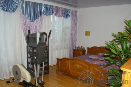 Трехкомнатная квартира элитная на Серебренниковской Спальня