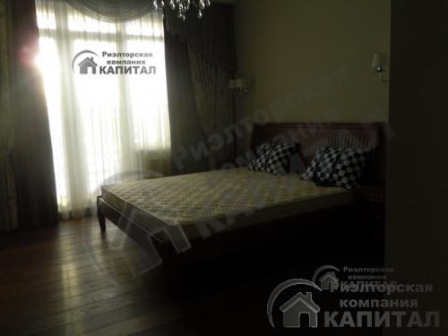 Двухкомнатная элитная квартира около площади Ленина Спальня