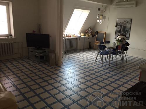 Четырехкомнатная квартира элитная  в Октябрьском районе